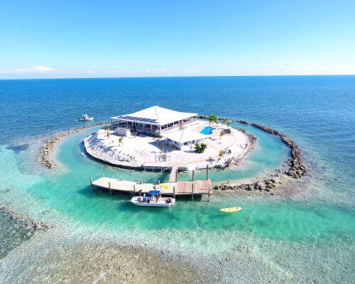 Thuê riêng một hòn đảo để nghỉ dưỡng - thú vui xa xỉ của những người giàu